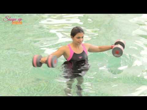 Aqua Aerobics Exercises – say goodbye to love handles with water dumbbell workout routine
