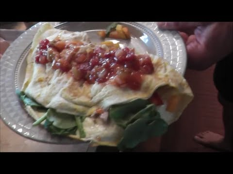 How to Make a Healthy IHOP Chicken Fajita Omelet PRObliner Style! | Tiger Fitness