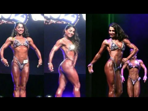 Arti Sharma Muscle Posing at Competition | Indian Female Bodybuilder | Fitness Motivation 2018