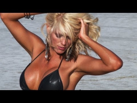 Sarah Camryn-One of the Sexiest Fitness Model Mothers on Planet in a bikini for Rob Sims video